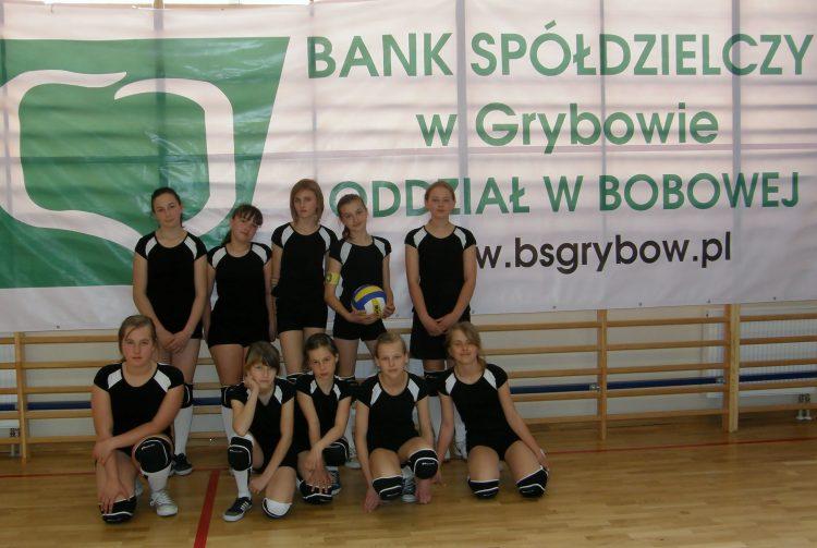 6.04.2011 Bobowa  Rejonowe zawody w mini piłkę siatkową dziewcząt.  3 MIEJSCE !!!