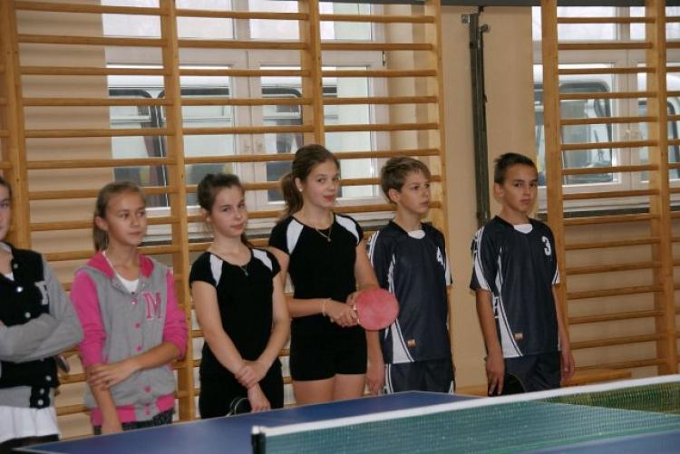 21.11.2012 Gminne zawody w tenisa stołowego w Męcinie