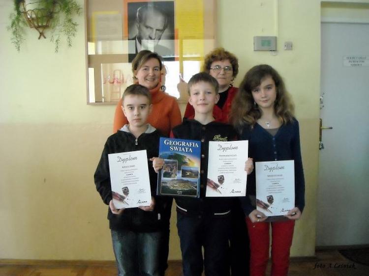 Wręczenie dyplomów uczniom biorącym udział w Olimpusie z matematyki i j. angielskiego