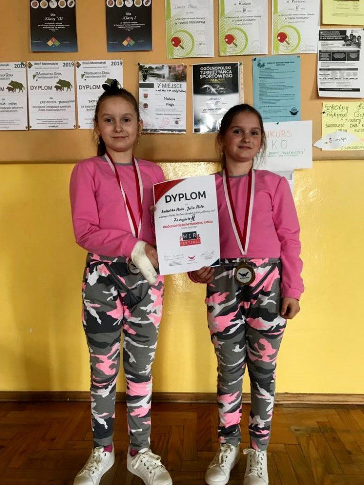 Ogólnopolski sukces Andżeliki i Julii Plata w tańcu nowoczesnym.