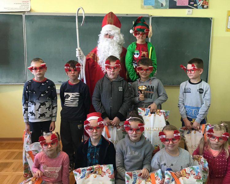 Mikołaj w szkole.